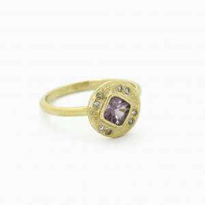 Ring Medaillon Spinel & diamonds